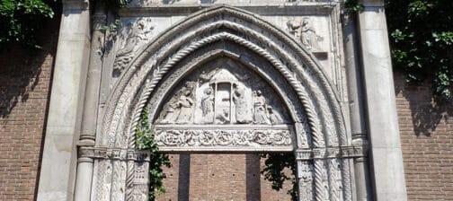 Porta Chiesa San Giovanni Evangelista Ravenna